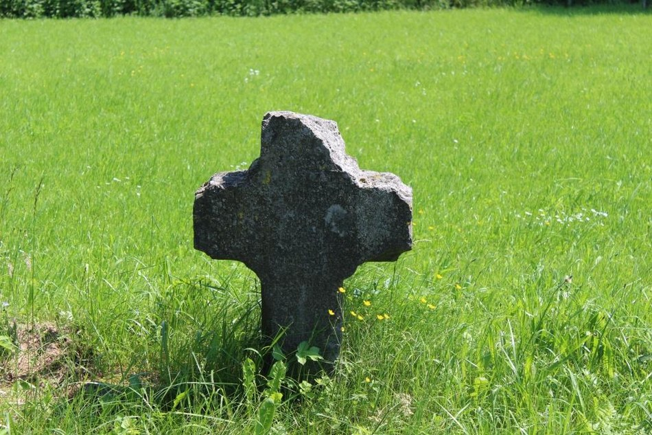 Assesse - Croix 2 chaussée de Marche Compressée ©OTA.JPG