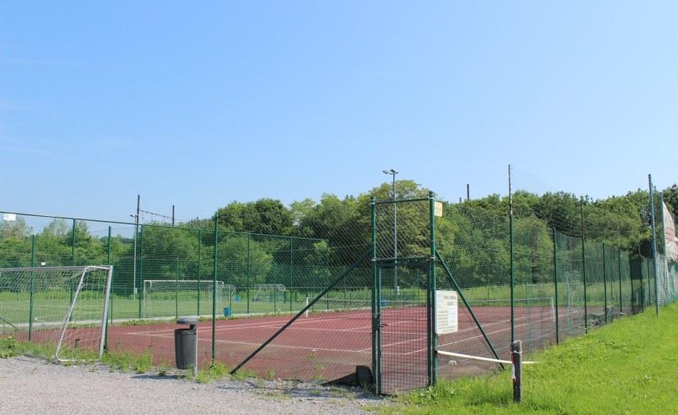 Assesse - Terrain de tennis communal  ©OTA.JPG